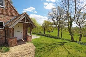 Bidborough House Small gardening lawn